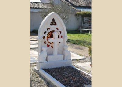 monument funeraire taille de pierre sculpture charente